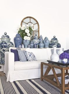 Blue and white inspiration, that BIG ginger jar is TO DIE FOR!