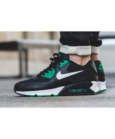 i find this air max 90 essential lucid green looks pretty. i liked it!
