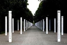 Od 40 do 60 tys. mieszkańców warszawskiej Woli zginęło w dniach 5-7 sierpnia 1944 r. w masowych egzekucjach i mordach dokonywanych przez oddziały niemieckie. W tym roku mija 72. rocznica tamtych wydarzeń. - Każdego mieszkańca należy zabić, nie wolno brać żadnych jeńców, Warszawa ma być zrównana z ziemią i w ten sposób ma być stworzony zastraszający przykład dla całej Europy- taki rozkaz wydał 1 sierpnia 1944 r., w reakcji na wybuch powstania w Warszawie, Reichsfuehrer SS Heinrich Himmler…