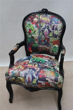Baroque Design chair with comic prints. Want!