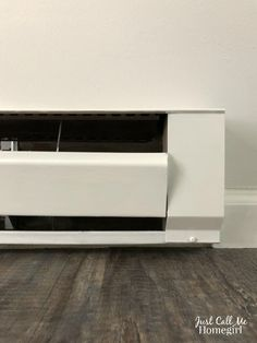 How to Paint Electric Baseboard Heaters - Just Call Me Homegirl Electric Baseboard Heaters, Baseboard Heating, Electric Radiators, House Painting, Diy Painting, Baseboard Radiator, High Heat Paint, Painting Baseboards, Narrow Hallway Decorating