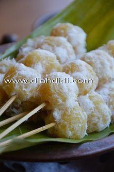 Diah Didi's Kitchen: Resep Sentiling Nanas Diah Didi Kitchen, Resep Cake, Traditional Cakes, Cauliflower, Sweets, Vegetables, Brownies, Foods, Drink