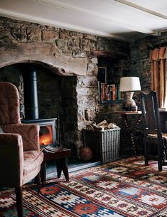 A beautiful Stone Cottage, Pembrokeshire ~ Decor Inspiration A stone cottage perched above the wild Pembrokeshire coast. John McCall was commissioned to decorate a small stone cottage with an imperfec Cottage In The Woods, Cozy Cottage, Cozy House, Cottage Style, Cottage Living Rooms, Cottage Homes, Cottage Bedrooms, Living Spaces, Home Decor Styles