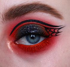 home made makeup Red Eye Makeup, Make Makeup, Goth Makeup, Makeup Inspo, Makeup Art, Makeup Inspiration, Beauty Makeup, Eyeshadow Looks, Eyeshadow Makeup