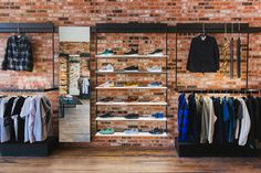 Essentially, your retail space needs to be your most productive and most efficient salesperson, and visual merchandising employs the artwork of optimizing your retail retailer and product shows for maximum income Boutique Interior, Clothing Store Interior, Clothing Store Design, Shoe Store Design, Retail Store Design, Retail Shop, Visual Merchandising Displays, Visual Display, Display Design