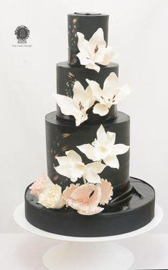 Black and White Wedding Cake by Sugarpixy Mini Wedding Cakes, Elegant Wedding Cakes, Elegant Cakes, Cupcakes, Cupcake Cakes, Beautiful Cakes, Amazing Cakes, Black And White Wedding Cake, Family Cake