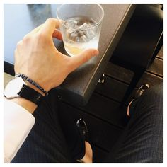 Short break between showrooms in Milan #chillin #beforeandafter #milan #business #trip #mensfashion #mensstyle #menswear #watch #elegant #dandy #dapper #man #high #luxury #style #italian #details #accesories #mensjewelry #jewelry