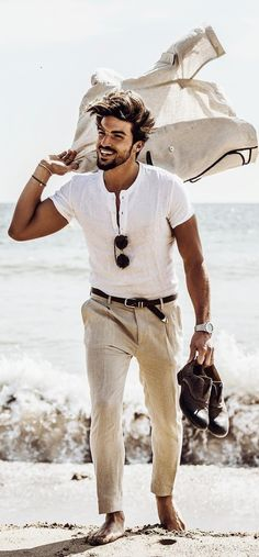 40 Symbolic Beach Photography Poses for Men Symbolic-Beach-Photograp. - 40 Symbolic Beach Photography Poses for Men Symbolic-Beach-Photography-Poses-for-Men - Gentleman Mode, Gentleman Style, Dapper Gentleman, Mens Style Guide, Men Style Tips, Segel Outfit, Stylish Men, Men Casual, Casual Outfits