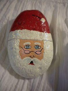 Christmas Painted Rocks Ideas 30