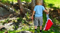Celebrate Canada and get outdoors with this easy scavenger hunt. Canada Day Crafts, Canada Party, Scavenger Hunt For Kids, O Canada, True North, Get Outdoors, Parents, Strong, Party Ideas