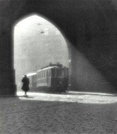 Josef Sudek, Morning Trolley (Prague) 1924 Gelatin silver print x cm x 9 in.) (via MFA Boston) Old Photography, Street Photography, Memories Photography, Chicago Photography, Photography Lighting, Photography Courses, Photography Awards, Portrait Photography, Great Photos