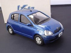 "TOYOTA Vitz OFFICIAL LICENSED 1:24 BLUE ""NOT FOR SALE"" Dealer Color Sample"