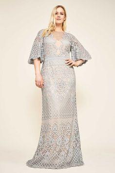 bcf79edecfa Вечернее кружевное платье для полной женщины из коллекции Tadashi Shoji  Тадаши Шоджи