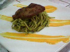 TALLARINES VERDES CON BISTEC APANADO - http://www.mytaste.pe/r/tallarines-verdes-con-bistec-apanado-416946.html