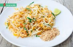 Nepřehlédněte: Sýr tofu s rýžovými nudlemi a kapustou Tofu, Vegetarian, Ethnic Recipes, Fit, Shape