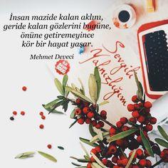 İnsan mazide kalan aklını, geride kalan gözlerini bugüne, önüne getiremeyince kör bir hayat yaşar.   - Mehmet Deveci / Sevgili Yalnızlığım  #sözler #anlamlısözler #güzelsözler #manalısözler #özlüsözler #alıntı #alıntılar #alıntıdır #alıntısözler  #kitap #kitapsözleri #kitapalıntıları #edebiyat