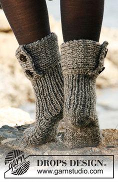 "DIY cozy slipper boots FREE pattern : Moon socks - Knitted DROPS slippers in 2 strands ""Nepal"""