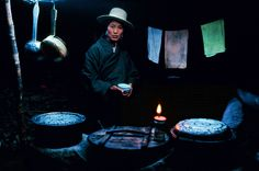 Steve McCurry, Nomad woman in yak-hair tent, Kham Province, Tibet (1999)