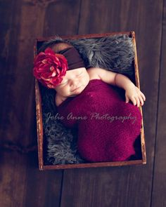 Love these colors! #newborn #photo #ideas