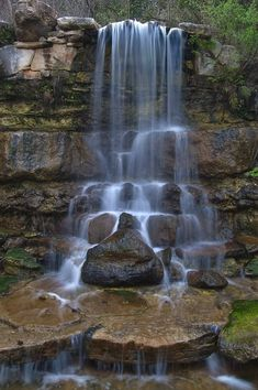 Having a pool sounds awesome especially if you are working with the best backyard pool landscaping ideas there is. Indoor Waterfall, Garden Waterfall, Waterfall Fountain, Diy Water Feature, Backyard Water Feature, Ponds Backyard, Diy Garden Fountains, Outdoor Fountains, Water Fountains