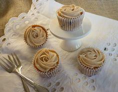 Cupcakes med æble og kanel