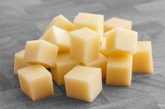 Com ingredientes disponíveis em casa, é possível fazer um queijo vegetal.