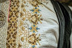 2015_07_19__Tuddal bygdedag Gamle Telemarksbunader (11) | Flickr Folk Costume, Costumes, Norwegian Clothing, Hardanger Embroidery, Going Out Of Business, Bridal Crown, Fashion History, Cute Designs, Traditional Outfits