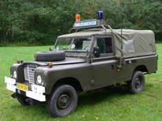 Land Rover 109 Serie III soft top canvas WOLF.  Militar assistance.