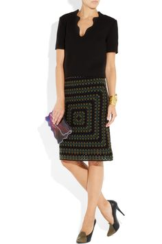 Great skirt, wonder if I can recreate the pattern for this one... unbelieveable price tag of over 1K on this item!