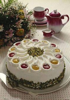 Unser beliebtes Rezept für Himbeer-Pfirsich-Sahne-Torte und mehr als 55.000 weitere kostenlose Rezepte auf LECKER.de.