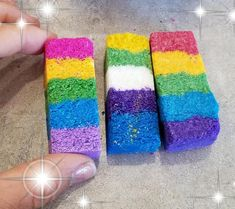 How to make rainbow bar embeds for hidden rainbow bath bombs. This bath bomb embed recipe gives your bath bombs a rainbow of colors in the bathtub. Mason Jar Projects, Mason Jar Crafts, Mason Jar Diy, Diy Projects, Rainbow Bath Bomb, Rainbow Bar, Diy Unicorn, Rainbow Unicorn, Galaxy Bath Bombs