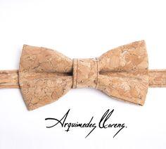 Pajarita en corcho - color Nature - Bow tie cork - Tuxedo Style - Esmoquin - Classic - Hipster - cork - corcho - pajarita - bowtie - arquimedes - llorens - original - pajaritas - vegan - unisex - ropa - complementos - accesories - accesorios - hombre - mujer - woman - man
