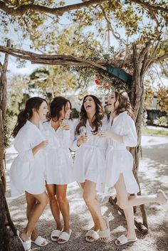 Wedding Picture Poses, Wedding Poses, Sister Wedding Pictures, Bride And Bridesmaid Pictures, Must Have Wedding Pictures, Bridal Party Poses, Bridal Parties, Bridesmaid Shirts, Bridesmaid Dresses