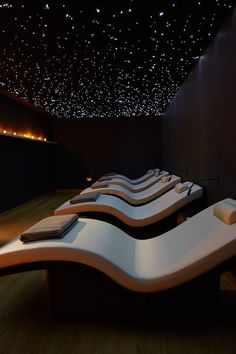 Enter the mind and sense relaxation zones at Rudding Park for an unforgettable sensory experience design interior day spas Spa Days Massage Room Decor, Spa Room Decor, Home Spa Room, Spa Luxe, Luxury Spa, Meditation Rooms, Relaxation Room, Relax Room, Design Sauna