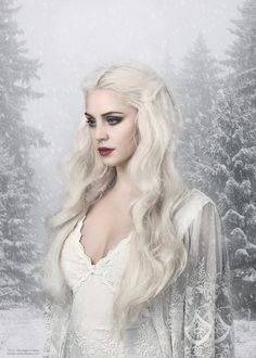 Image may contain: 1 person, outdoor – Winter MakeUp Fantasy Inspiration, Character Inspiration, Character Art, Photographie Portrait Inspiration, Fantasy Photography, Ice Princess, Digital Art Girl, White Queen, Snow Queen