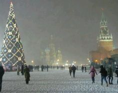 images of christmas scenes in russia Oh The Places You'll Go, Places To Travel, Places To Visit, Travel Destinations, Oregon, Christmas Scenes, Christmas Lights, Merry Christmas, Winter Photos