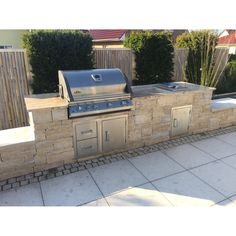 """Check out our web site for even more relevant information on """"outdoor kitchen countertops grill area"""". It is an exceptional place to learn more. Gas Barbecue Grill, Diy Grill, Grilling, Barbecue Area, Outdoor Kitchen Countertops, Concrete Countertops, Outside Grill, Grill Area, Built In Grill"""