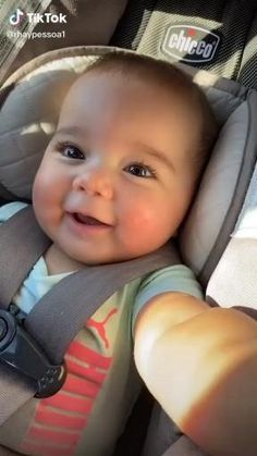 Cute Baby Boy Images, Cute Funny Baby Videos, Cute Funny Babies, Cute Baby Pictures, Funny Kids, Cute Kids, Cute Babies Pics, Boy Pictures, Cute Little Baby Girl
