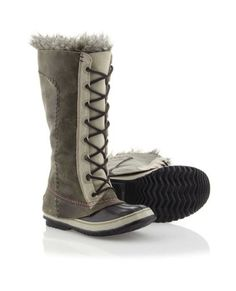 Sorel Snow boots <3 I didn't think actual boots could be cute, but I love these!