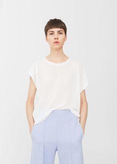 Textured flowy t-shirt -  Women   MANGO USA