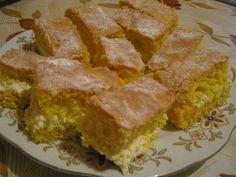 Bögrés piskóta Cornbread, Panna Cotta, Muffin, Sweets, Ethnic Recipes, Food, Bulgur, Sweet Pastries, Muffins