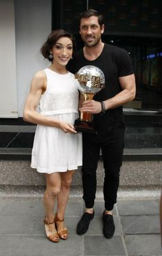 Meryl And Maks Holding There Trophies | @Meryl_Davis @Maksim Ostarhov cvetkovic ♡| They Are Perfection , More Pics To Come| fav or rt♡ pic.twitter.com/jmqmvqvEmz