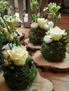 Blumendeko für den Tisch Mehr