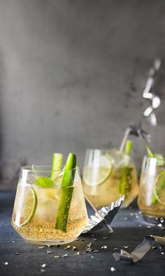 Moscow Mule, a sophisticated recipe from the Party category. Ratings: Average: Ø Moscow Mule, a sophisticated recipe from the Party category. Ginger Ale, Moscow Mule Drink, Christmas Cocktail, Pop Sicle, Raspberry Mojito, Mule Recipe, Non Alcoholic Drinks, Tequila Drinks, Alcohol Recipes