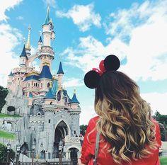 Ir a Disneyland. Disneyland Photography, Disneyland Photos, Disneyland Outfits, Disneyland Trip, Disney Vacations, Disney Trips, Disney Outfits, Disneyland Outfit Summer, Vacation Travel