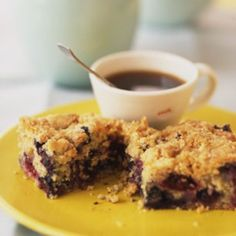 Blueberry Crumb Cake | Active time: 15 minutes. Start to Finish: 1 1/4 hour