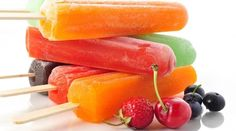 Patient tested positive for fungal infection because of eating ice pops that had a food additive. Frozen Fruit, Frozen Yogurt, Fresh Fruit, Summer Desserts, Summer Recipes, Home Made Popsicles Healthy, Homemade Popsicles, Dessert Healthy, Homemade Ice Cream