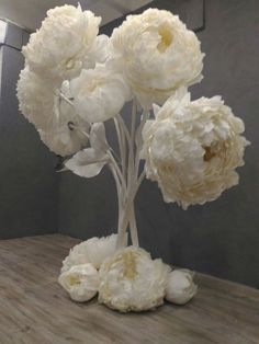 Paper Flower Centerpieces, Large Paper Flowers, Paper Flowers Wedding, Tissue Paper Flowers, Paper Flower Wall, Paper Flower Backdrop, Giant Paper Flowers, How To Make Paper Flowers, Diy Flowers