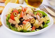 This tuna pasta salad is a great way to use up any leftover pasta you may have. This is a nutritious and delicious meal choice. Tuna Pasta Salad Recipe from Grandmothers Kitchen. I would substitute chicken for the tuna though! Tomato Pasta Salad, Sundried Tomato Pasta, Tuna Pasta, Summer Pasta Salad, Macaroni Salad, Tuna Recipes, Pasta Salad Recipes, Healthy Recipes, Recipe Pasta