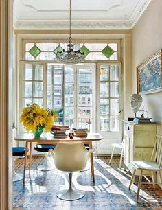 Old-school encaustic tile looking very European Style At Home, Encaustic Tile, Ivy House, The Design Files, Dining Room Design, Home Fashion, Style Fashion, Interior Inspiration, Style Inspiration